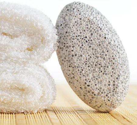 Triệt lông bằng đá mài tại nhà