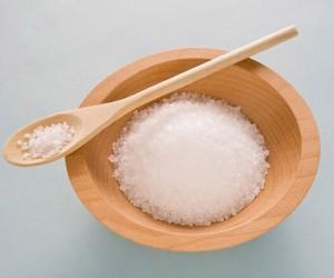 Trị da khô bằng muối hạt
