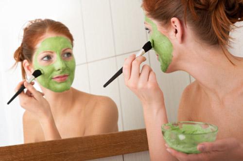 Điều trị da khô hiệu quả nhanh chóng bằng cách đắp mặt nạ