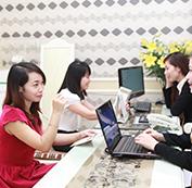 Tư vấn cho khách hàng về thông tin dịch vụ.