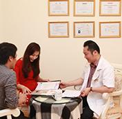 Bác sĩ tư vấn và chỉ định điều trị cho từng trường hợp cụ thể