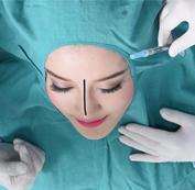 Bác sĩ tiến hành đo vẽ dáng mũi