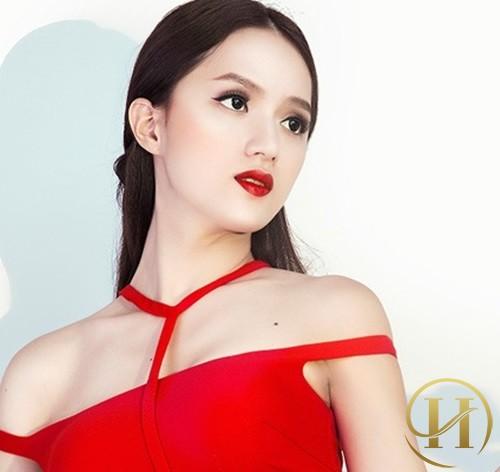 Học lỏm cách làm thon gọn mặt của Hương Giang Idol
