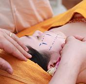 Bước 4: Tiến hành căng da mặt