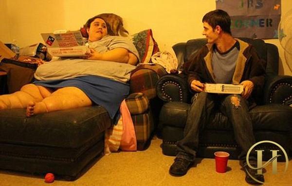 """Với cân nặng """"khủng"""" nên ảnh hưởng rất nhiều đến đời sống vợ chồng của cô"""