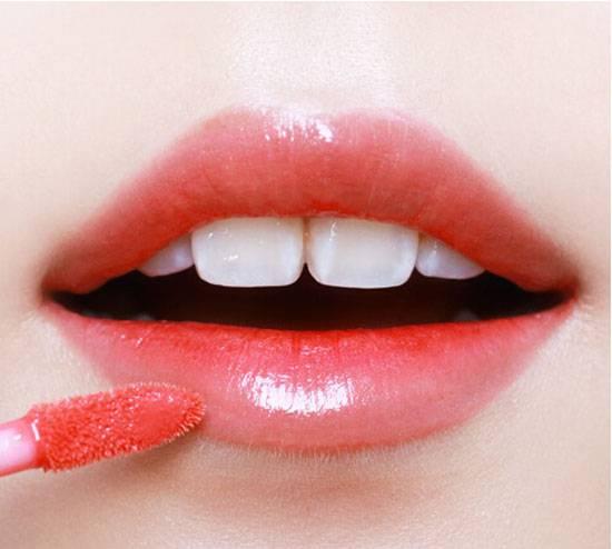 Cách làm môi dày thành môi mỏng?