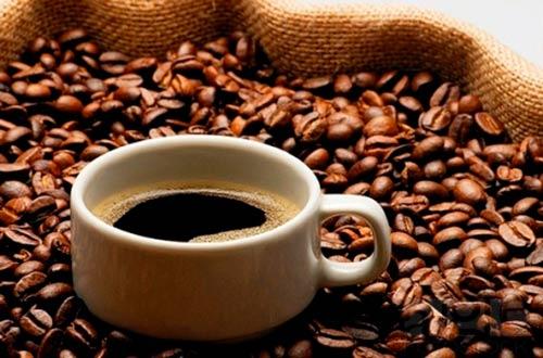 cafe-den-giup-bạn-giam-mo-dung-nhanh-hon