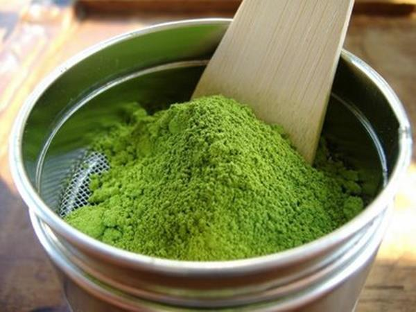 Sử dụng bột đậu xanh và bột nghệ để trị nám da hiệu quả