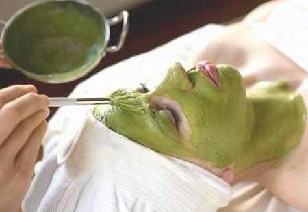 Kết hợp bột đậu xanh và sữa tươi  để loại bỏ nám da